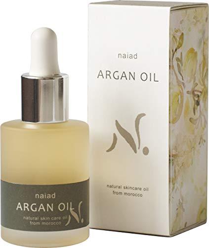 美容液としてお肌に使っている人も多いオイル。希少性の高いアルガンオイルを100%使用したテクスチャーはさらっと伸びて、フルーティーな香りがします。髪につけると、べたつくことなく、保湿成分が浸透してしっとりサラサラの指通りに。