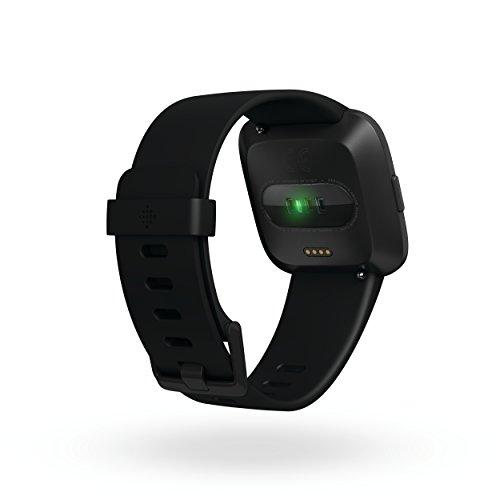 Fitbit Reloj Inteligente Versa Negro/Aluminio, Talla única (Bandas S y L Incluidas)