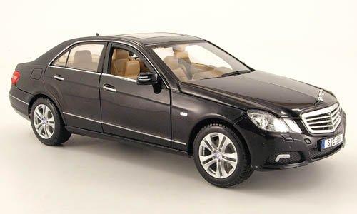 Mercedes E 350 (W 212), met.-schwarz, 2009, Modellauto, Fertigmodell, Maisto 1:18