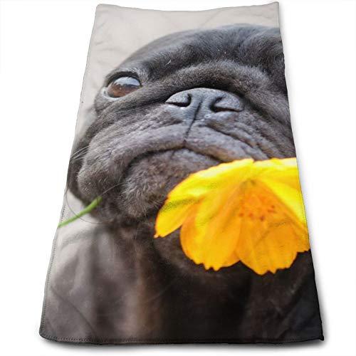Divertido Perro Pug con Flor de caléndula Toalla de Mano, Toalla de Viaje, Toalla de baño, Toallitas Muy absorbentes Toallas Multiusos 70x30 cm