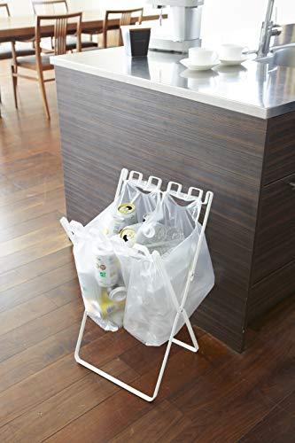 こちらもシンプルなデザインのスタンド。大きなゴミ袋も、小さめのレジ袋も掛けられます。ビンや缶、ペットボトルの分別にぴったりです。折り畳めるので、持ち運びしやすいのもgood!