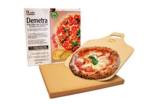 Demetra Piastra Pietra in Cotto refrattaria 2x35x35 + Pala in Legno in Omaggio- Adatta a Tutti i Tipi di forni. Ideale per Cucinare Pizza, Pane, Torte, ECC.