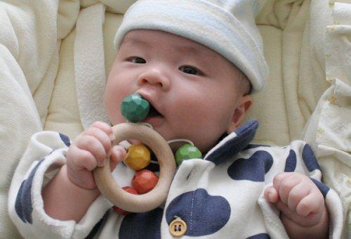 ▶︎おひさまラトル(赤ちゃんの木のおもちゃおしゃぶり歯がため)木育