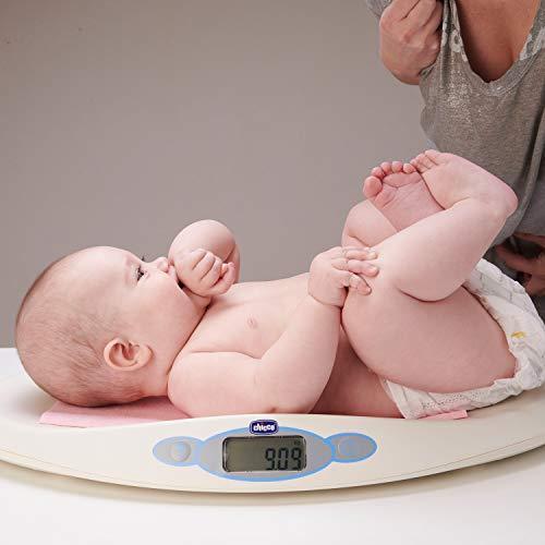 Chicco Balance Bébé Électronique, Pèse Bébé avec Affichage LCD pour les Nouveaux-nés de 30 g à 20 kg, Suit la Croissance de Votre Enfant, Mémorise la Dernière Pesée, avec Fonction Tare - Blanc