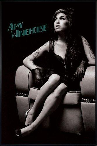 Close Up Amy Winehouse Poster Lounge Chair (93x62 cm) gerahmt in: Rahmen schwarz
