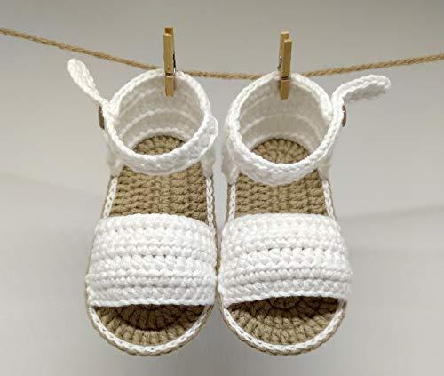 Patucos Sandalias modelo Menorquina para bebé de crochet, con flor o sin flor, colores a elegir, 100% algodón, tallas de 0 a 9 meses, hechos a mano en España. Regalo para bebé.