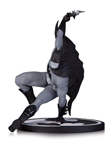 dc comics Statue de Batman par Bryan Hitch (Noir/Blanc)