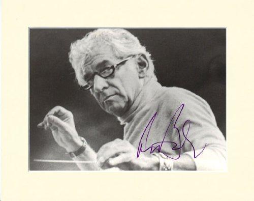 Leonard Bernstein signiertes Foto mit Passepartout