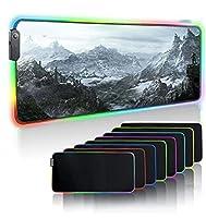 ゲーミングマウスパッドTheElderScrollsVSkyrim大RGBゲーミングマウスパッド山の風景コンピューターLEDマウスマットキーボードデスクマット、ラップトップPCマット用天然ゴムマウスパッド(800X300)MM