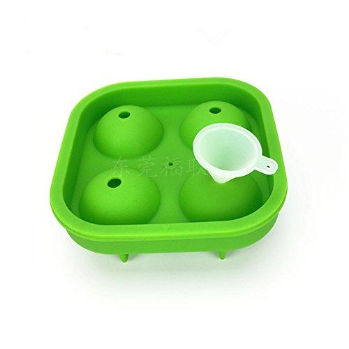 3D World Cup Fußball Ice Cube Tablett LFGB zertifiziert, BPA frei Silikon Ice Cube Tray Formen mit ausschüttsicher Deckel, für Wasser, Cocktail, Whiskey und anderen Drink grün