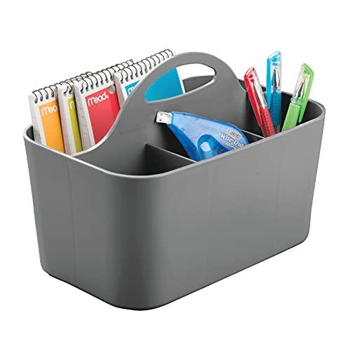 mDesign Pequeño organizador de oficina con asa – Prácticas cestas de plástico para escritorio – Organizadores de escritorios portátiles con 4 apartados para tijeras, marcadores y más – gris oscuro