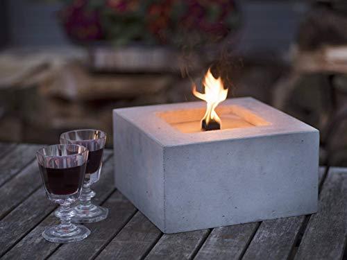 Beske-Betonfeuer mit 'Dauerdocht' | Größe 24x24x13 | Wiederbefüllbare Gartenfackel | 'Unendliche' Brenndauer durch umweltfreundliches Recycling von Kerzenwachs | Tischfeuer Fackel Kerze Outdoor