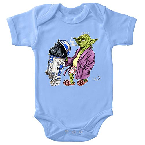 Body bébé Manches Courtes Garçon Bleu Parodie Star Wars - R2-D2 et Yoda - Le Maître en Week-End. (Body bébé de qualité supérieure de Taille 12 Mois - imprimé en France)