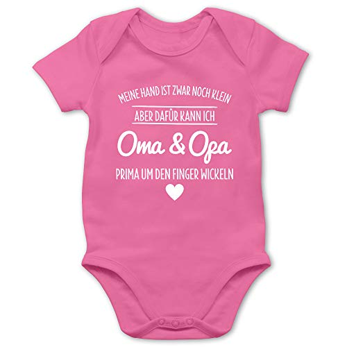Shirtracer Sprüche Baby - Oma und Opa um den Finger Wickeln - 3/6 Monate - Pink - oma Body - BZ10 - Baby Body Kurzarm für Jungen und Mädchen