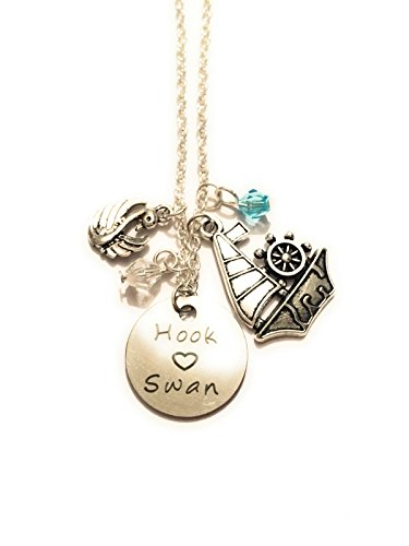 giulyscreations Collana Unisex Metallo Nichel Free Hook Swan Uncino Emma Swan Once Upon A Time OUAT C'era Una Volta Serie TV Storybrooke Love Amore Cigno Jolly Roger Cosplay