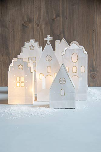 Rayher 67325000 Bastelset Papiertüten Lichterdorf, Häuser ca. 17,5 – 26 cm, Lichterdorf Weihnachten, mit LED-Lichterkette