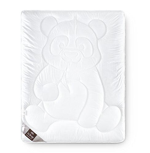 Sei Design Baby Bettdecke 100x135 Pandabär mit weichstem Mikrofaserbezug - extra weich und anschmiegsam. Schadstoffgeprüft nach Öko-Tex Standard 100 und für Allergiker empfohlen.