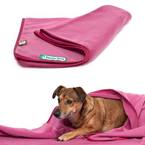 Doctor Bark   kuschelige Hundedecke waschbar bis 95°C, hygienische, weiche Fleecedecke für Sofa und Hundebett, Flauschige Haustierdecke - Made in Germany (M - 100x70 cm/Hot Pink)