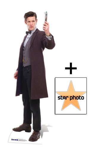 The 11Th Doctor Holding Sonic Screwdriver Lebensgrosse Pappfiguren / Stehplatzinhaber / Aufsteller (Doctor Who) - Enthält 8X10 (25X20Cm) Starfoto