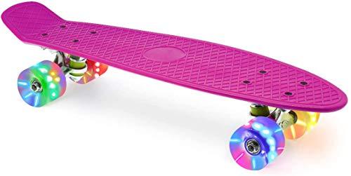 Skevic Skateboard 55cm/22inch para Principiantes Adultos y Niños, Mini Cruiser Retro Skateboard con All-in-One Skate T-Tool, Skateboard con 4 LED PU Ruedas (Rosa)