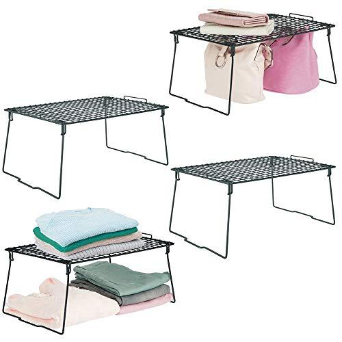 mDesign Juego de 4 estantes apilables – Estantes de Metal Plegables – Organizador de armarios Moderno para el Dormitorio, el baño o el Pasillo – Negro
