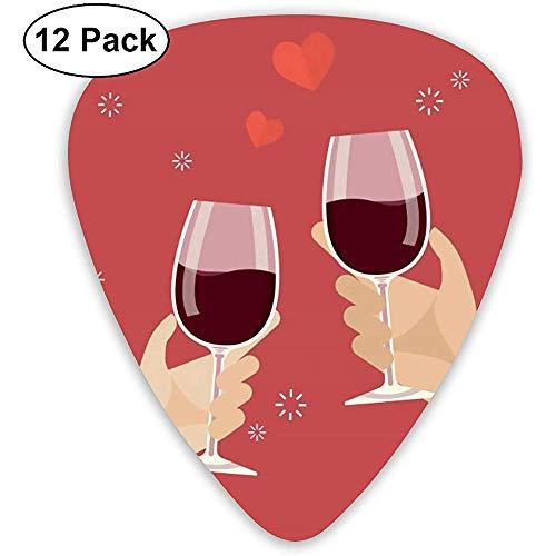Mann und Frau beim Anstoßen von Weingläsern Plektren 12er Pack - 3 verschiedene Größen Inklusive dünn, mittel und schwer
