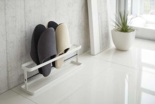 スチール製のスリッパラックはコンパクトでシンプルだから置き場所を選びません。スリッパを4足収納できます。