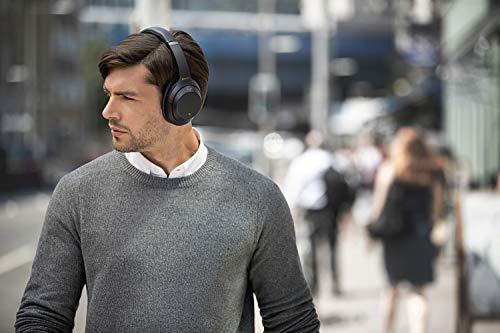 Headphone Battle: Sony WH-1000XM3 vs Bose QC35 II 19