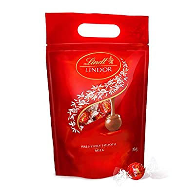 lindt lindor milk chocolate truffles bag - approx. 80 balls, 1 kg - perfect for sharing - chocolate balls with a smooth melting filling Lindt Lindor Milk Chocolate Truffles Bag – approx. 80 Balls, 1 kg – Perfect for Sharing – Chocolate Balls with a Smooth… 41gjc 7cPfL