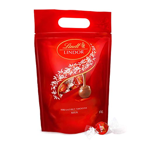 Lindt Lindor Milk Chocolate Truffles Bag - approx. 80 Balls, 1 kg - Perfect for Sharing - Chocolate Balls with a Smooth Melting Filling