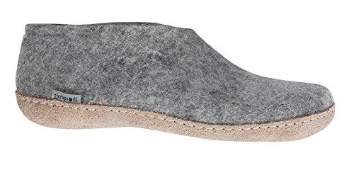 حذاء نسائي داخلي من جلوبس للجنسين