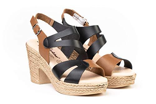 Sandalia Mujer de Piel Fabricados en España. Disponible Desde la Talla 36 hasta la Talla 41 - Finita Shoes Modelo F1233V Color Arena,Cuero y Plata.