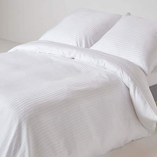 Homescapes 3-teiliges Bettwäsche-Set, Bettbezug 240 x 220 cm mit 2 Kissenbezügen 80 x 80 cm, 100% ägyptische Baumwolle mit Satin-Streifen, Fadendichte 330, weiß
