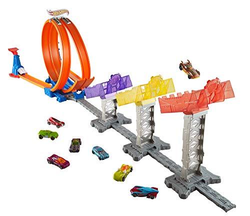 Hot Wheels DJC05 Action Super Score Speedway Auto Spielbahn, Track Set mit Zubehör und 2 Starter, inkl. 1 Spielzeugauto, ab 6 Jahren