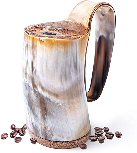 Carfar Taza de bocina vikinga auténtica de textura blanca de alta calidad – 100% auténtica charola de cerveza con botto de madera dura, cuerno de buey hecho a mano