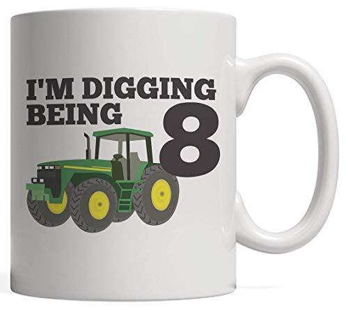 NA Taza de cerámica Blanca I 'm Digging Being 8 - Regalo de cumpleaños de Ocho años con Tractor para niño, Hijo o Hija, Que ama los Camiones volquete, cargadoras excavadoras