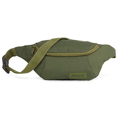 AEVOR Hip Bag - Smartphone Schnellzugriff, 2 Wege Zipper, 1l Volumen, wasserabweisend, Mesh-Innentasche, größenverstellbarer Gurt, Pine Green
