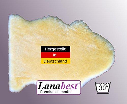 Merino baby-lamsvacht ca. 60 cm van Lanabest. In Duitsland vervaardigde topkwaliteit. Wasbaar op 30 graden Celsius, delicaat, knuffelig en reukloos. Milieuvriendelijk geproduceerd volgens Öko-Tex 100 klasse 1. Medisch gelooid, vachthoogte ca. 2,5 cm. Prima geschikt als babylamsvacht, voor de kinderwagen, voor het kinderzitje of voor honden en katten. Duits kwaliteitsproduct waarop je kunt vertrouwen = cadeaukwaliteit.
