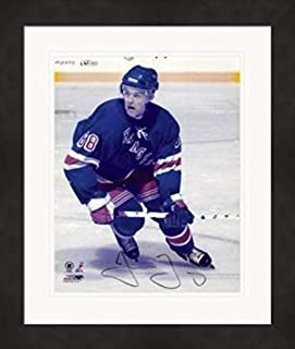 Jaromir Jagr Signed Photo - 8x10) #AE1 Matted Framed - Autographed NHL Photos