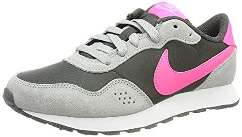 Nike MD Valiant Bg, Zapatillas Deportivas, Dk Smoke Grey Hyper Pink Lt Smoke Grey, 35.5 EU