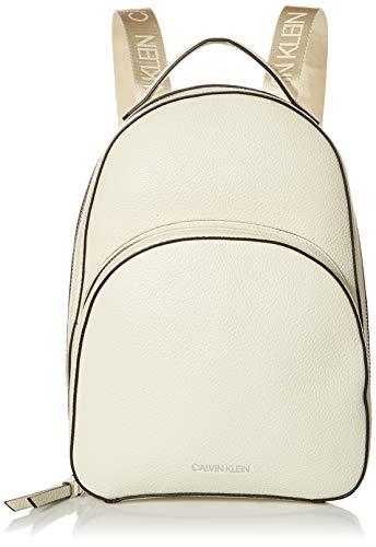 Calvin Klein Damen Backpack Estelle Novelty Rucksack, Cherub Weiß, Einheitsgröße