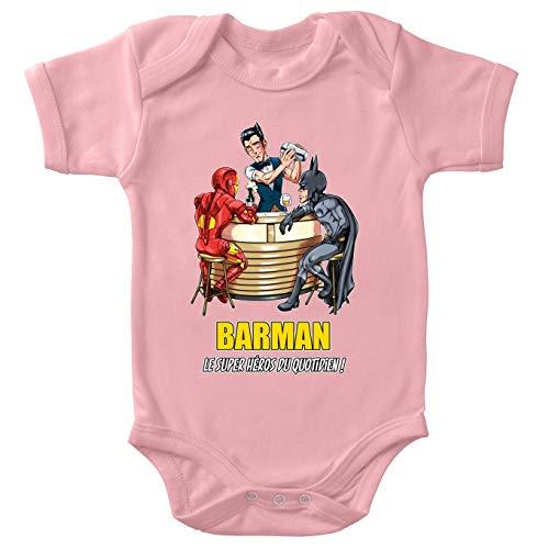 Body bébé Manches Courtes Filles Rose Parodie MCU - Justice League - Iron Man et Batman et.Barman - Barman, Le Super Héros du Quotidien ! (Body bébé de qualité supérieure de Taille 3 Mois - Imprim