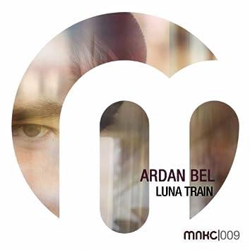 Luna Train