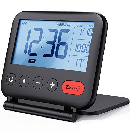 NOKLEAD Mini Digital Despertador – Pequeño moderno de viaje con indicador de temperatura, fecha, pantalla LCD, repetición de alarma y retroiluminación, reloj de mesa a pilas para salón, niños (negro)
