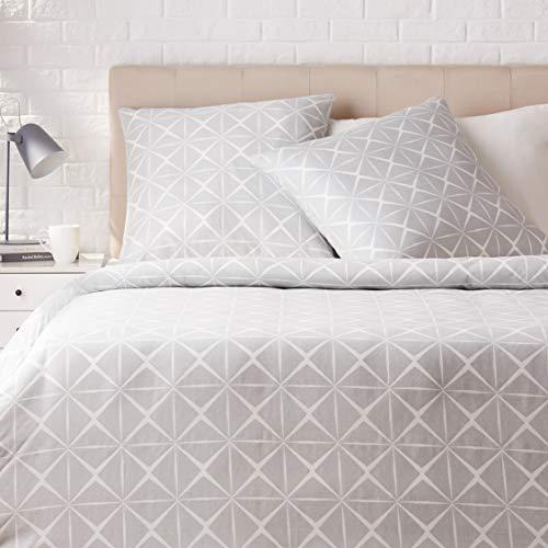 Amazon Basics - Juego de ropa de cama con funda de edredón, de satén, 200 x 200 cm / 65 x 65 cm x 2, Gris cuarzo