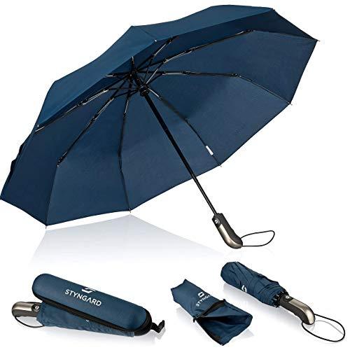STYNGARD Regenschirm sturmfest bis 140 km/h - Automatik inkl. Schirm-Tasche & Reise-Etui I Taschenschirm mit Auf-Zu-Automatik, Klein & Leicht mit Teflon-Beschichtung (schwarz & blau)… (Blau)