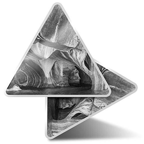 2 pegatinas triangulares de 7,5 cm - BW - Patagonia Chile Cave Rocks Fun Calcomanías para ordenadores portátiles, tabletas, equipaje, reserva de chatarra, neveras #39353