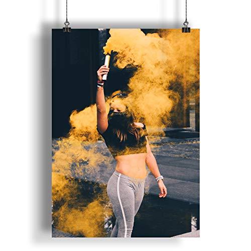 INNOGLEN La Dama sostiene una Granada de Humo Amarilla A0 A1 A2 A3 A4 Poster de Fotos Satinado a1043h