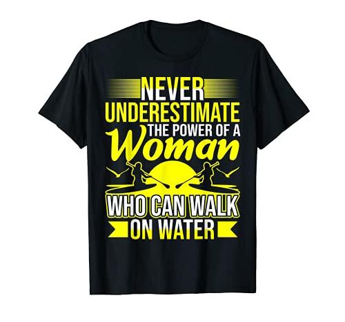 El poder de una mujer divertido remo embarque Camiseta