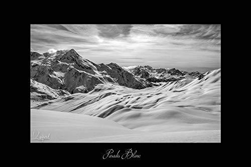Poster Paysage d'Hiver en Savoie - Les Alpes (France). Affiches Formats 30x45 cm, 40x60 cm ou 50x75 cm. Impression sur Papier Photo. Décoration murale. Paysage Montagne. Noir et Blanc.
